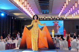 Nguyễn Thị Hồng Phương trong trang phục tự chọn