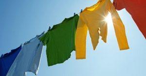 Không nên phơi quần áo trực tiếp dưới anh nắng mặt trời